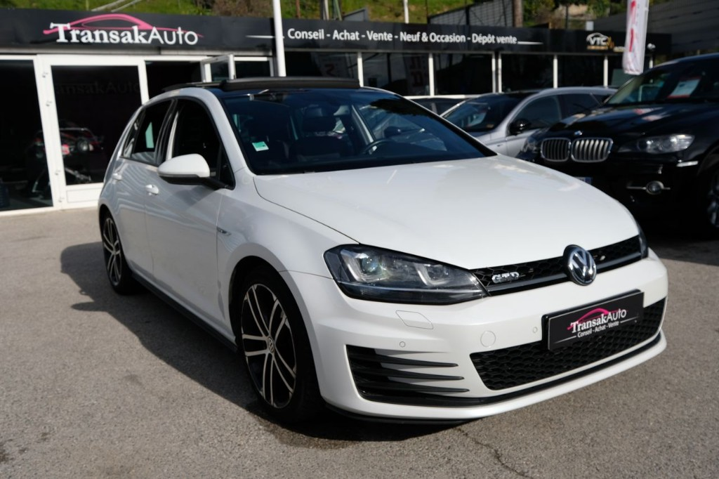 VOLKSWAGEN -  GOLF